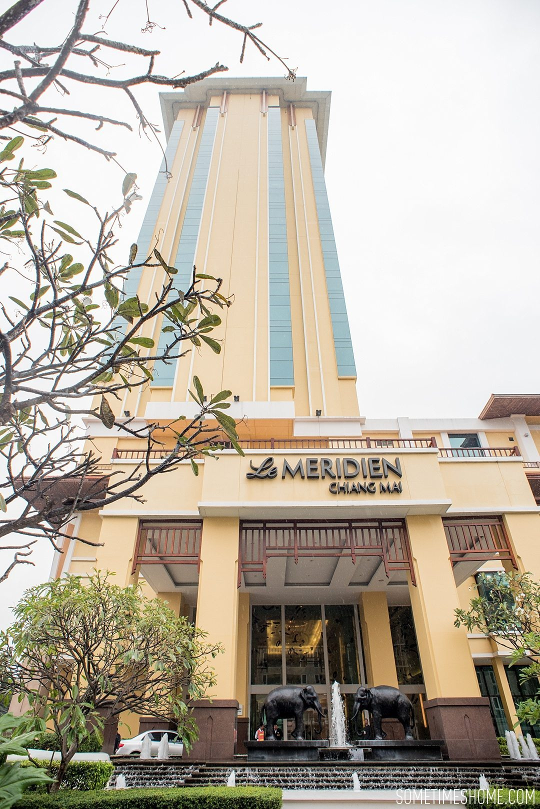 Affordable VIP Treatment at Le Meridien Chiang Mai, Thailand. Photos of the hotel exterior.
