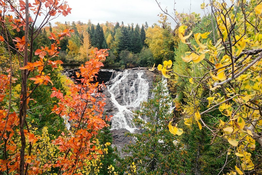 Fantastic Fall Destination Ideas Around the World on Sometimes Home travel blog. Picture of Michigan's Upper Peninsula by Memoirs of a Globetrotter.