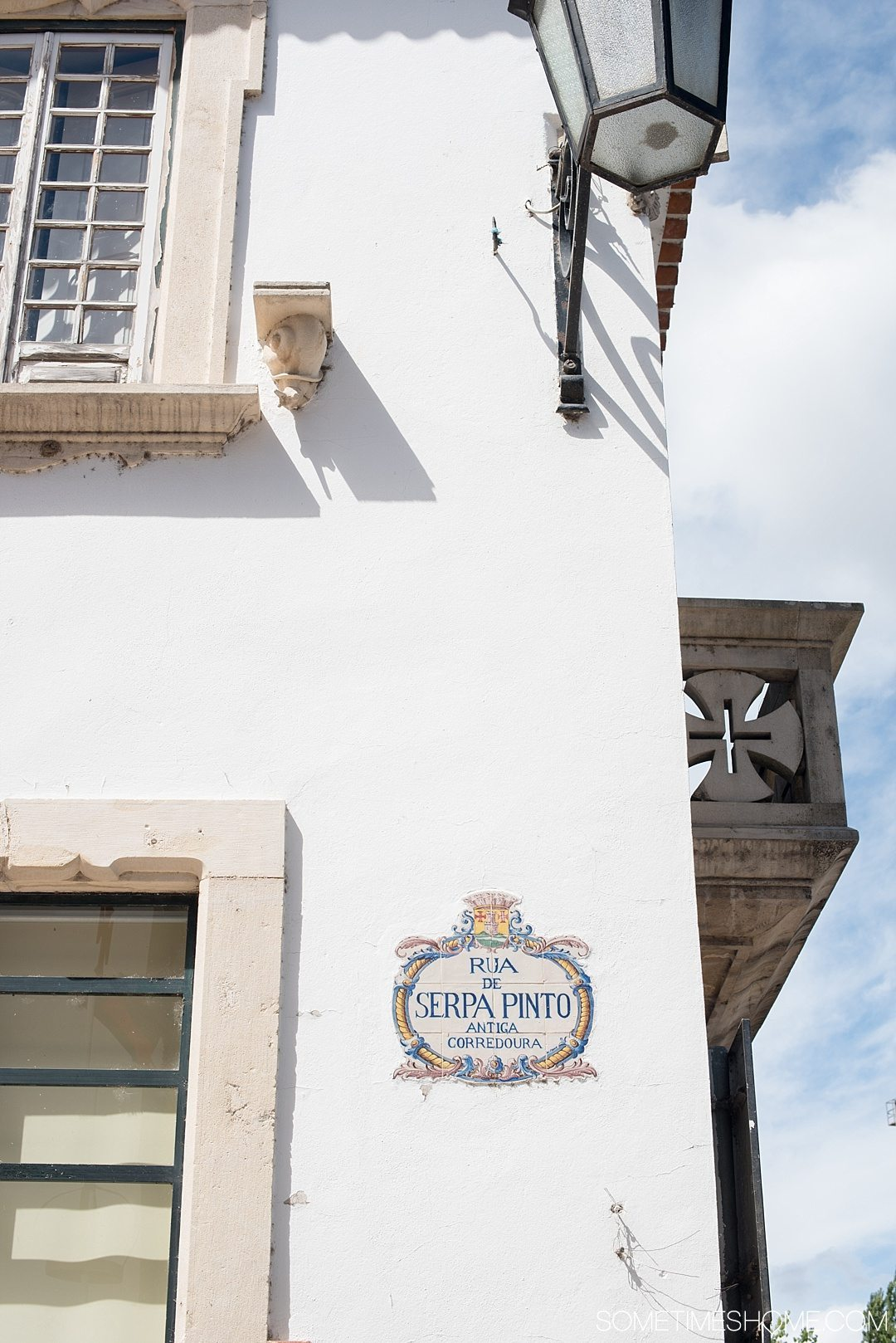 Day trip to Tomar, Portugal from Lisbon. Photos, tips and advice on Sometimes Home travel blog. Picture of Rua de Serpa Pinto.