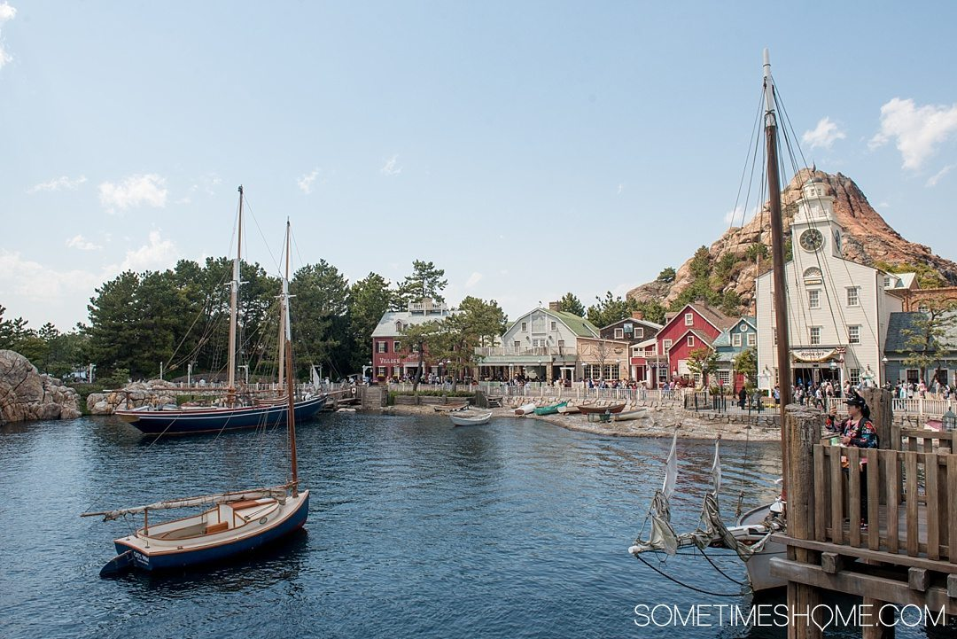 The Ultimate First-Timer's Guide to Tokyo DisneySea on Sometimes Home travel blog. Photo of the Cape Cod American Waterfront in the park.