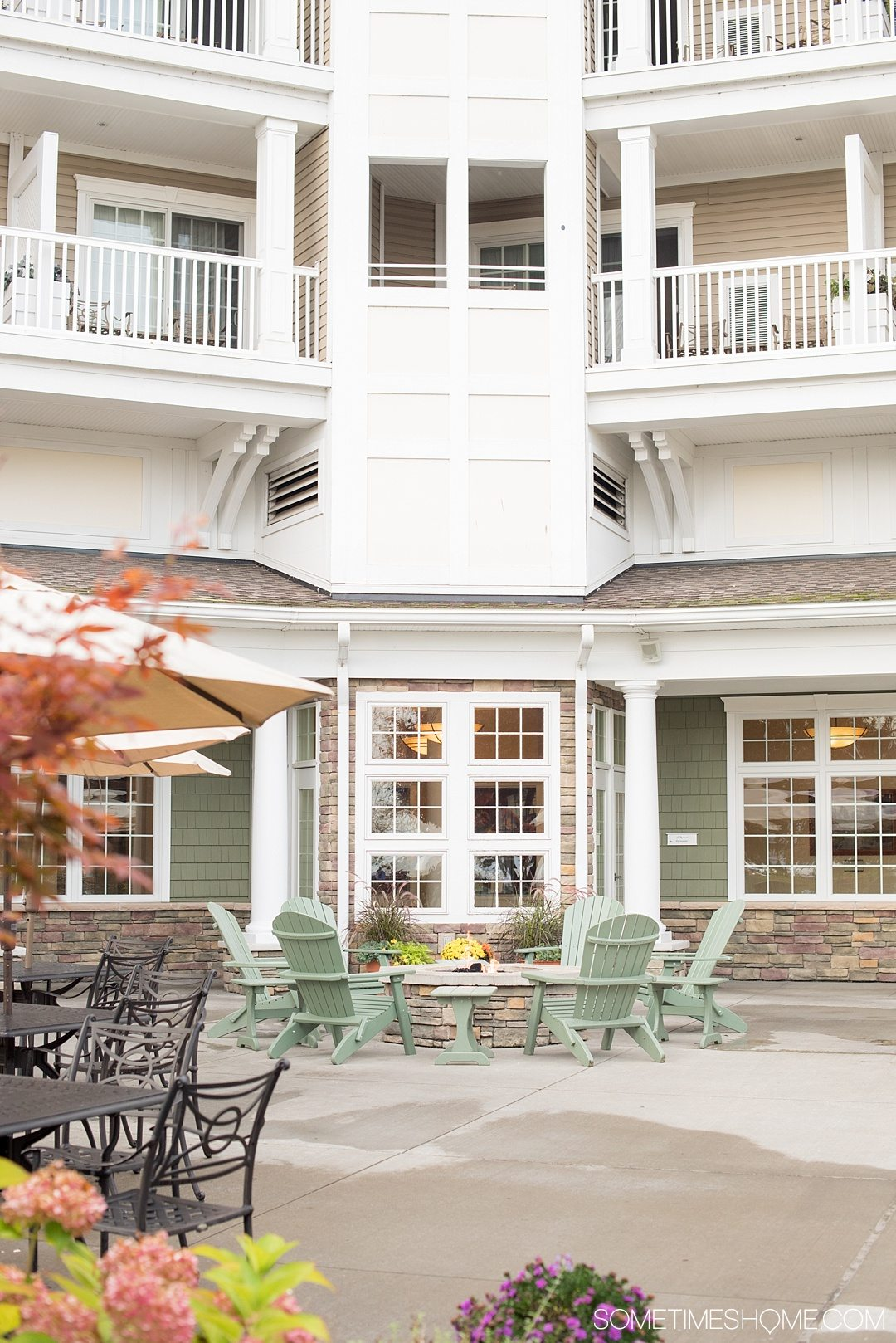 Romantic places in New York State with a weekend trip to Watkins Glen. Take a road trip from NYC to this Finger Lakes destination. Click through to see exactly what activities make it so romantic including this fire pit at the Harbor Hotel! #FingerLakesVacations #RomanticGetawayAdvenutres