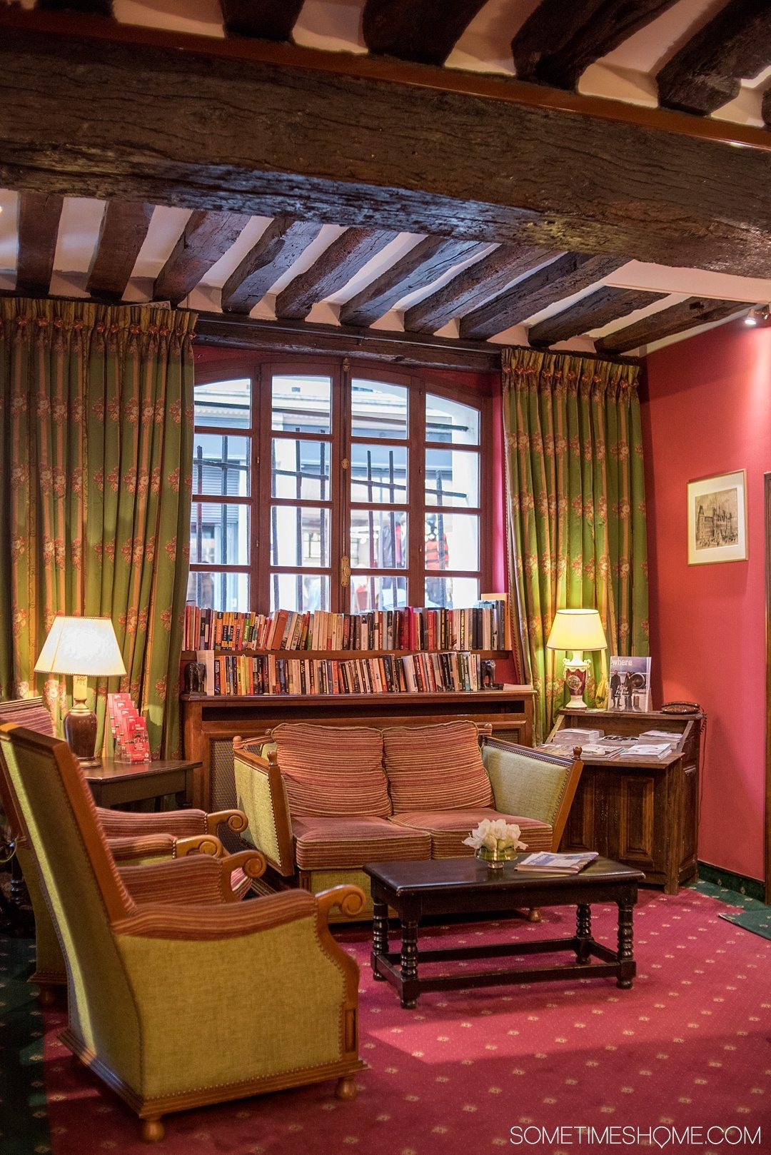 Paris hotel boutique accommodation with a lot of charm at very affordable prices in the historic Le Marais district. Click through to the article for a complete review!