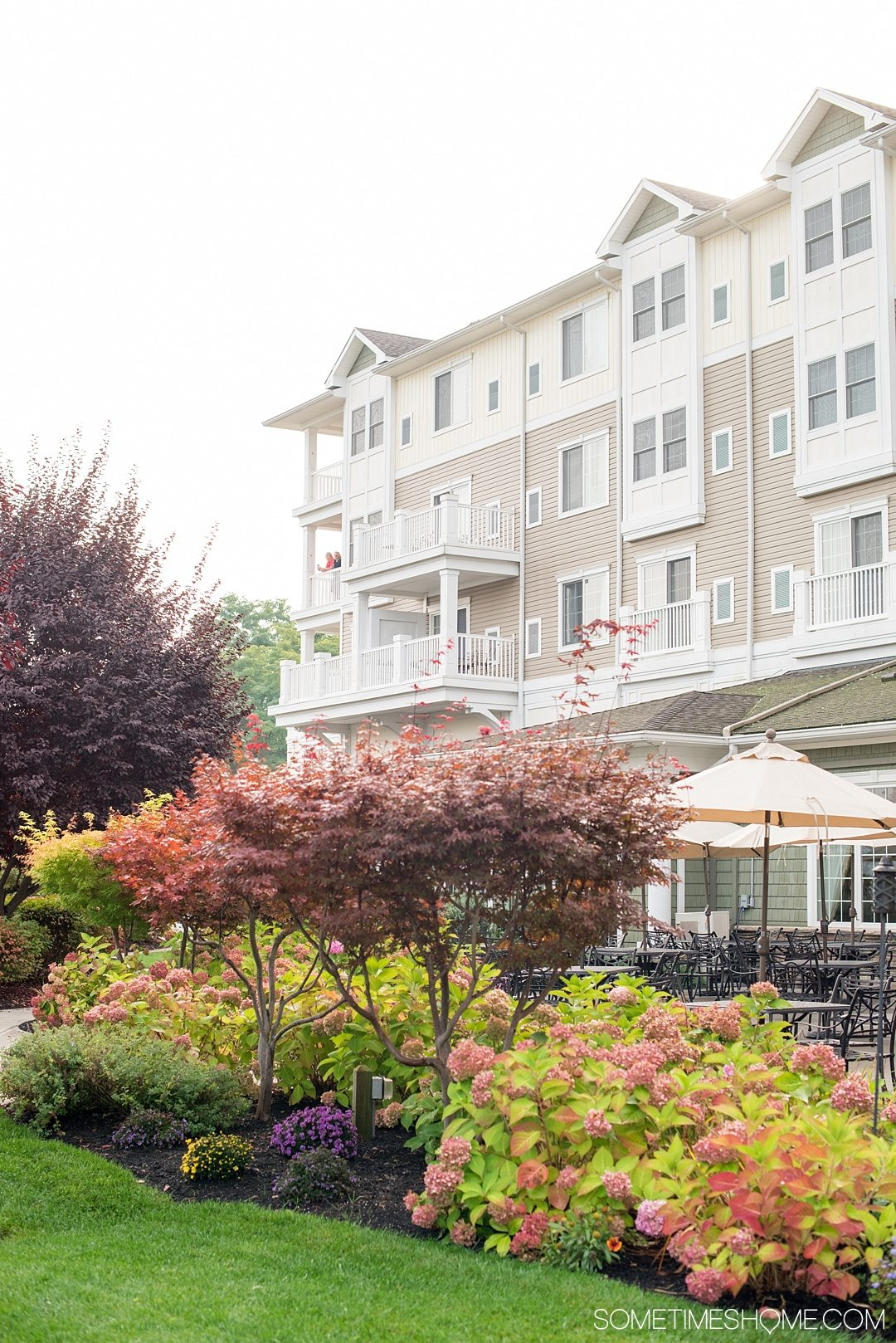 Looking for Hotels in the Finger Lakes area of New York? We share where to stay for a weekend getaway or road trip to the area. This waterfront lodging will be perfect for your vacation, as it's very close to many things to do, from wineries, to Watkins Glen State Park with its beautiful waterfalls, to Seneca Lake. Click through for a review of the Harbor Hotel in Watkins Glen, with detailed photos and information for this picturesque hotel. #FingerLakes #WatkinsGlenStatePark