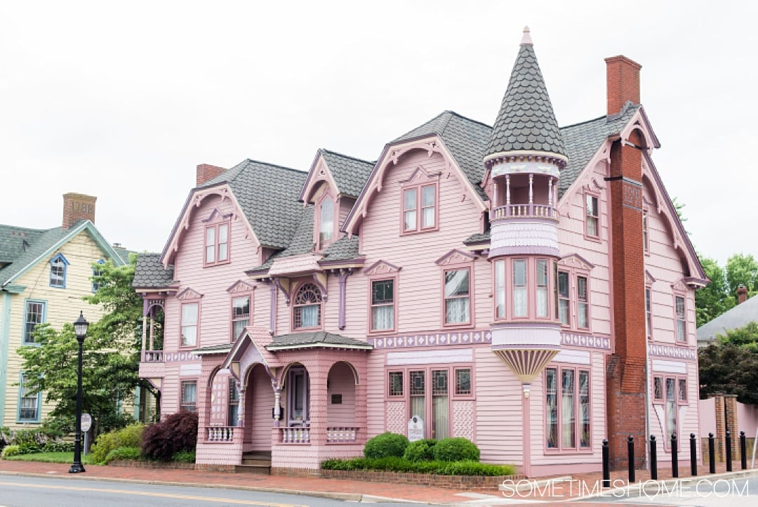 Things to do in Milford, a quaint town in Delaware Kent County that packs a lot of punch! Travel to this small city to experience great art culture, photography, wonderful food, architecture and even craft beer. Check out this awesome town by Dover in the nation's first state and click through to read the entire article! #delaware #milfordDE #milford #quaintvillages #kentcounty #victorianhouses