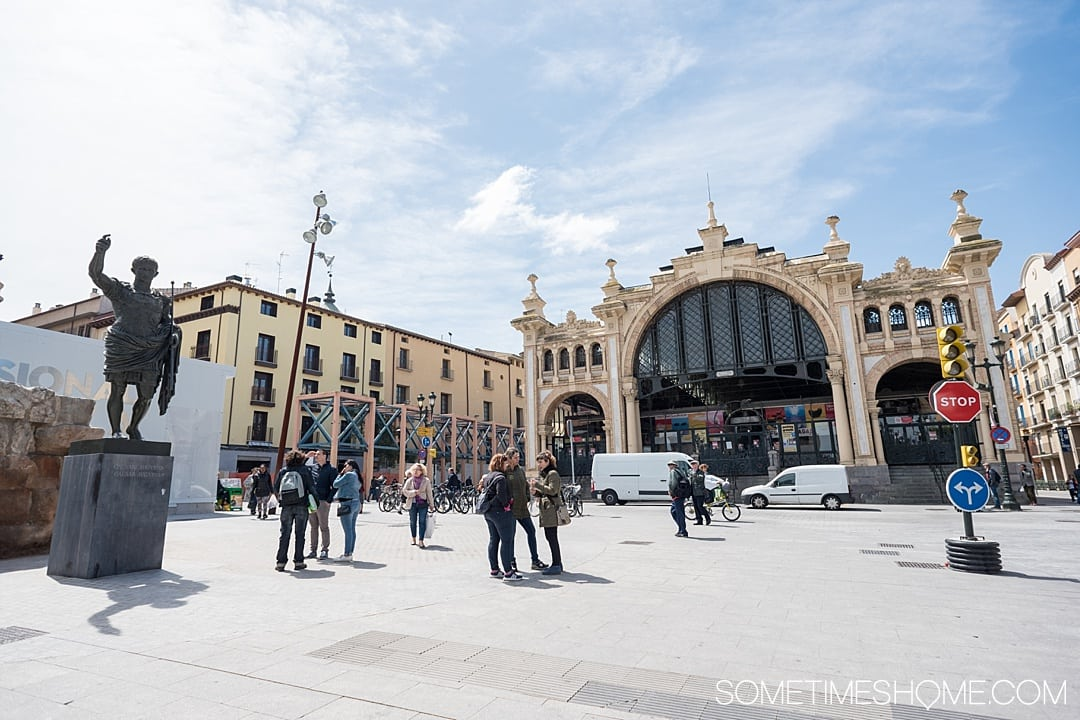 Day trip from Madrid to Zaragoza by train, in Spain, including things to do from sites and architecture, to food and street art! See amazing photography of this awesome city and gather ideas from Pilar Basilica to the moorish castle for your travel to Espana. #Zaragoza #SpainTourism #Spain #Espana #MadridDayTrip #Madrid #StreetArt