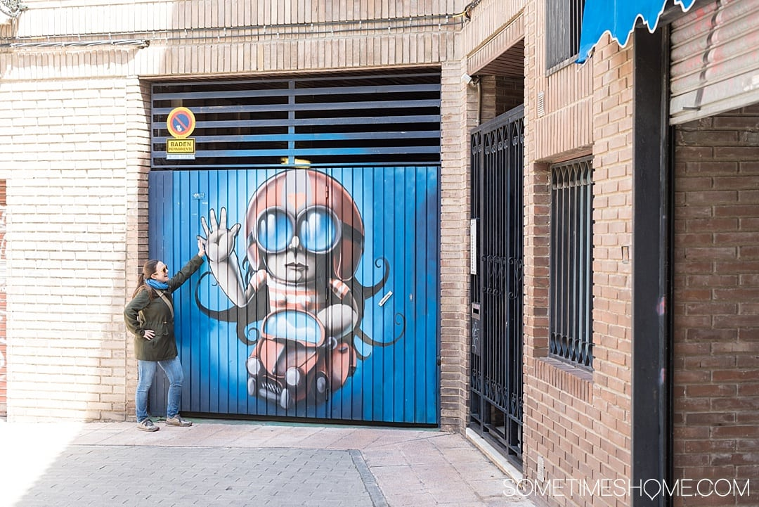 Day trip from Madrid to Zaragoza, Spain including things to do from sites and architecture, to food and street art! See amazing photography of this awesome city and gather ideas from Pilar Basilica to the moorish castle for your travel to Espana. #Zaragoza #SpainTourism #Spain #Espana #MadridDayTrip #Madrid #StreetArt