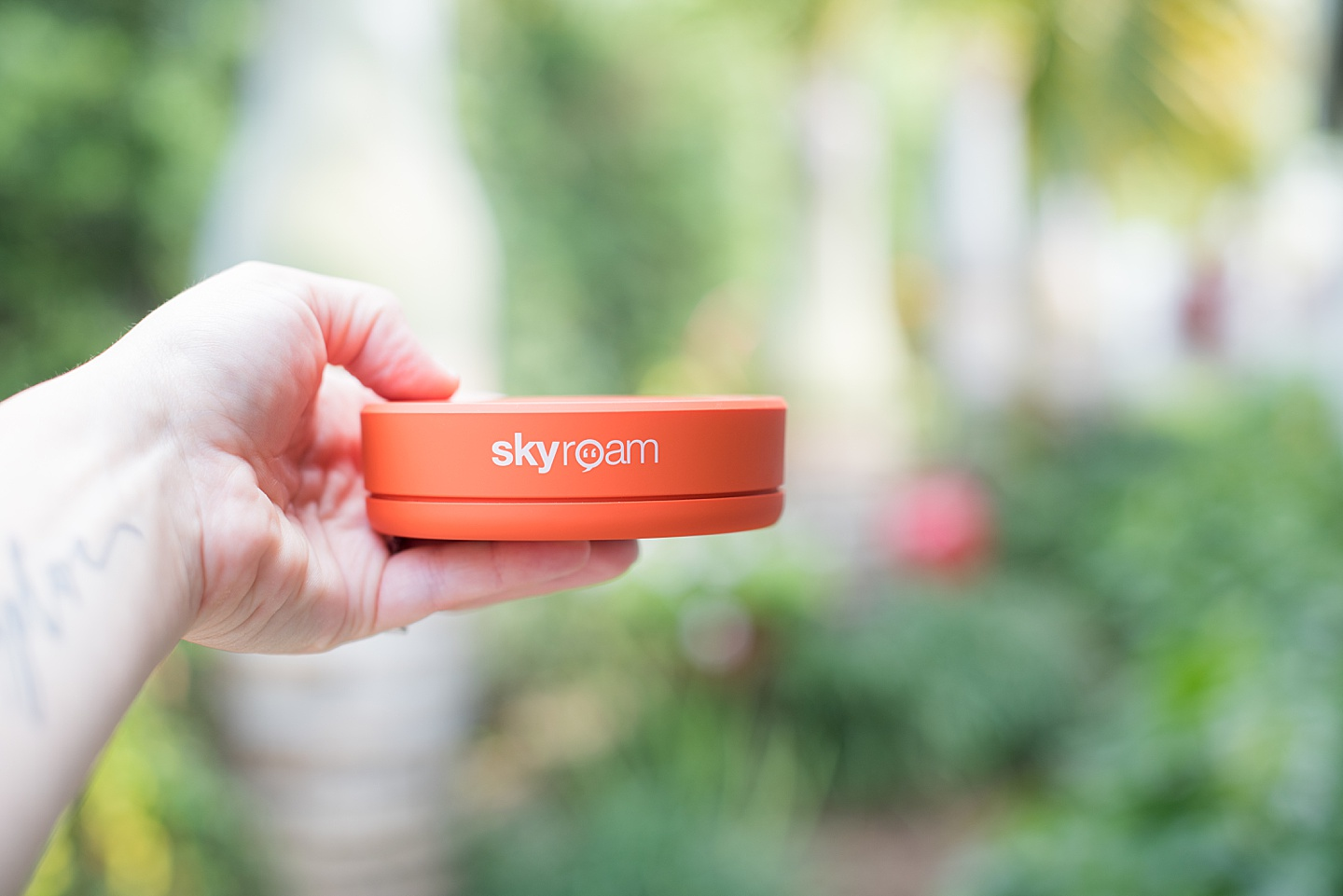 Portable travel wifi hotspot that will fit in clothes as a pocket wifi device on vacations! Skyroam is the best travel gift and essential technology for wanderlusters on the go. #skyroam #sometimeshome #wifihotspot #pocketwifi #traveltechnology