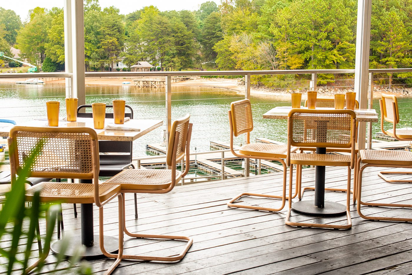 Best Lake Norman Waterfront Restaurants for the view, food and cocktails near Charlotte, North Carolina. Hello, Sailor, Port City Club and North Harbor Club. #sometimeshome #lakenorman #NorthCarolina