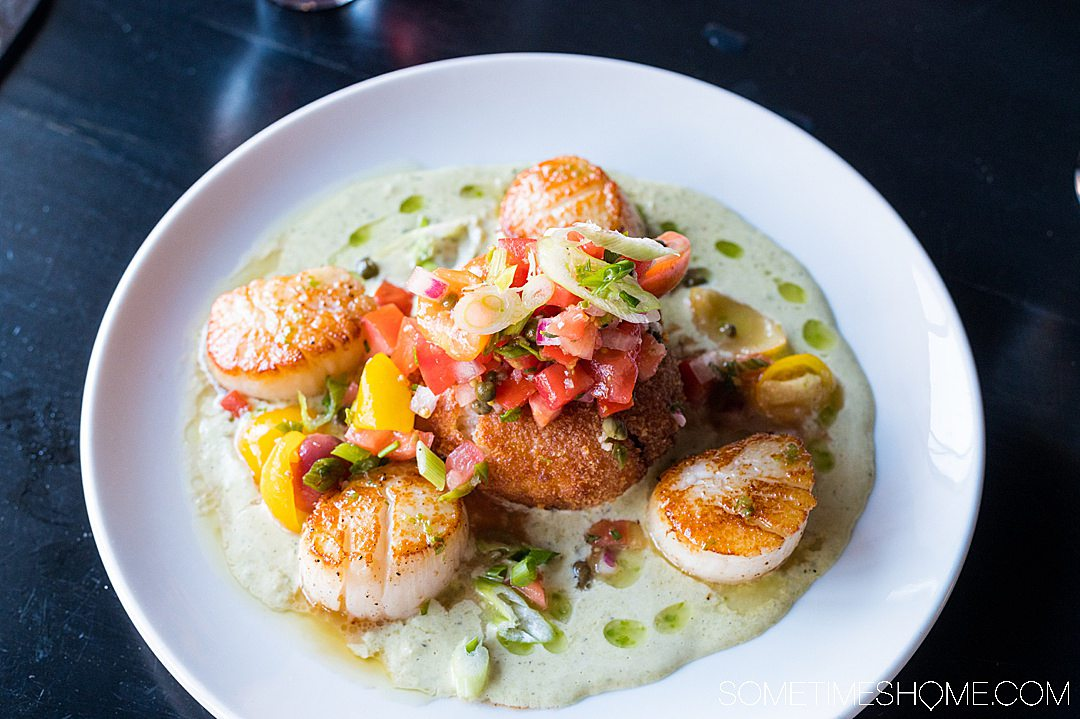 Scallops entree with tomatoes