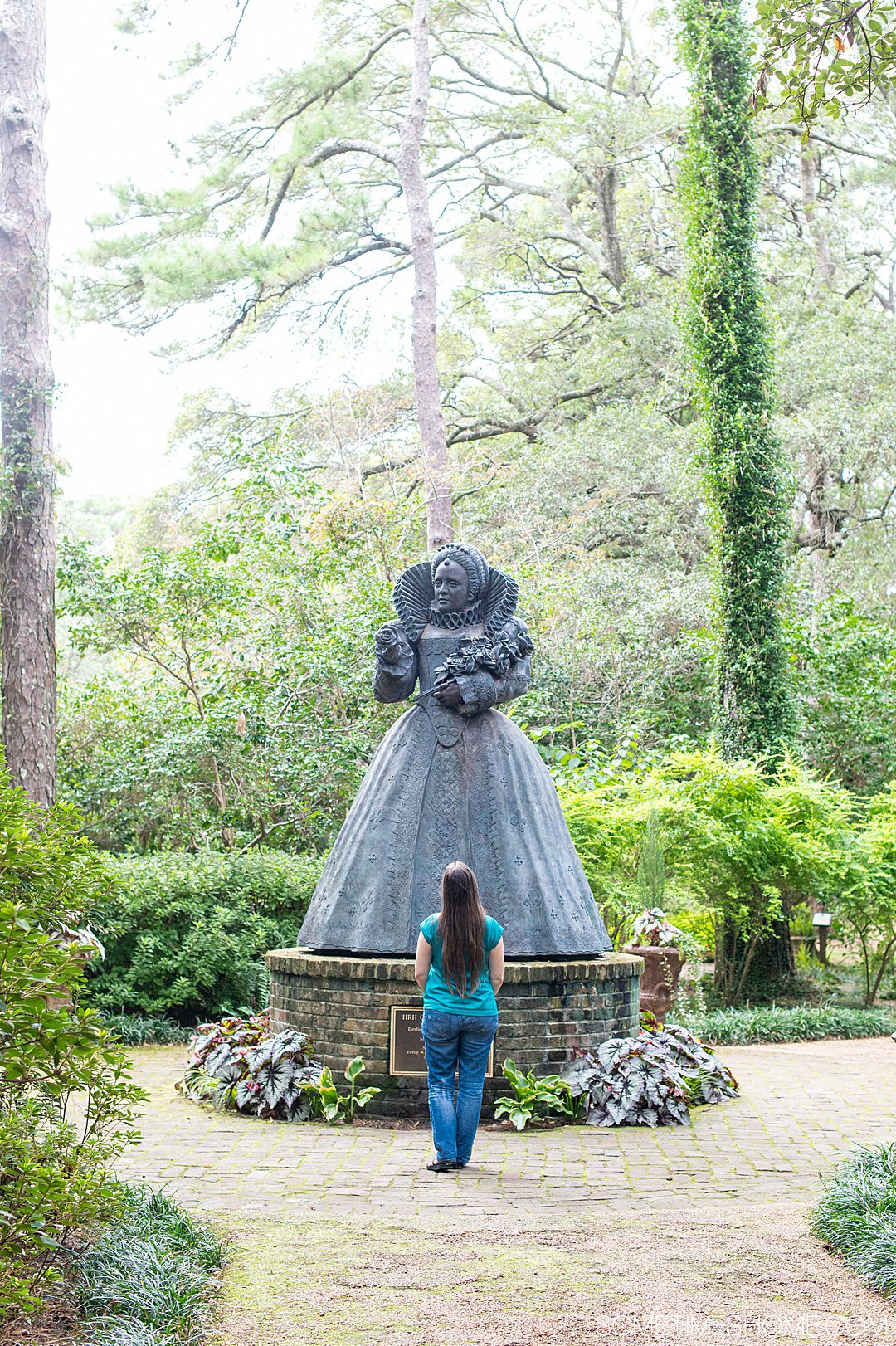 A statue of Elizabeth I at the Elizabethan Gardens in the Outer Banks in October.